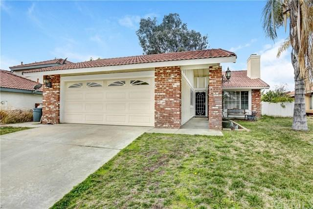 24832 Half Dome Court, Murrieta, CA 92562 (#300684167) :: The Houston Team | Compass