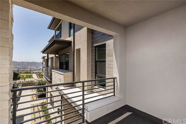 2870 Via Alta Place #68, San Diego, CA 92108 (#301579577) :: Whissel Realty