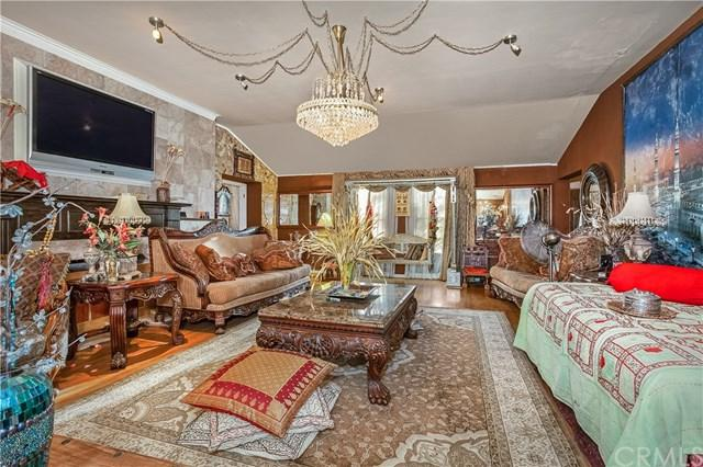 7726 Vanalden Avenue, Reseda, CA 91335 (#301588070) :: Coldwell Banker Residential Brokerage