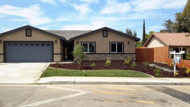 3130 Mendoza Way, Riverside, CA 92504 (#301636192) :: Whissel Realty