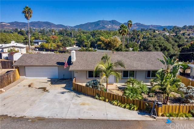 1146 Shadow Mountain Terrace, Vista, CA 92084 (#302072527) :: Whissel Realty