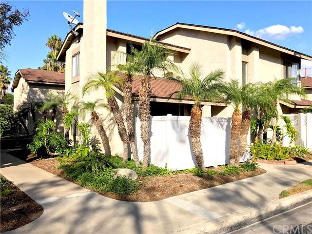 16915 Donwest #53, Tustin, CA 92780 (#302306406) :: Whissel Realty