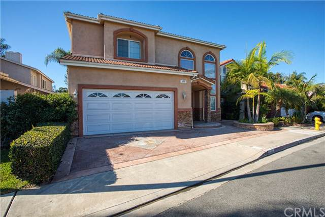 137 The Masters Circle, Costa Mesa, CA 92627 (#302309507) :: Whissel Realty