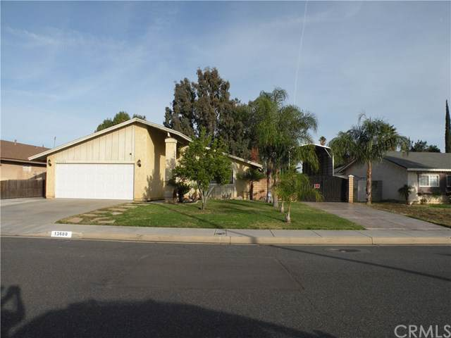 13680 Pan Am Boulevard, Moreno Valley, CA 92553 (#302315866) :: Whissel Realty