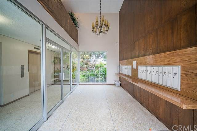 10400 Downey Avenue #203, Downey, CA 90241 (#302396939) :: Whissel Realty