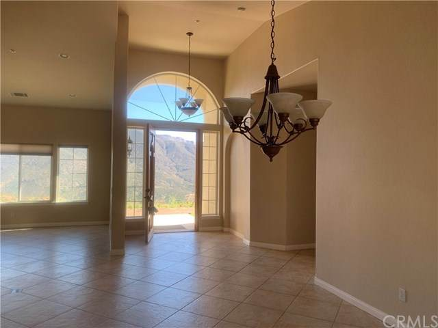 16275 Mackinzie Way, Valley Center, CA 92082 (#302418946) :: Keller Williams - Triolo Realty Group