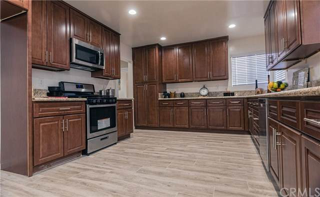 9151 Stewart And Gray Road, Downey, CA 90241 (#302419451) :: Whissel Realty