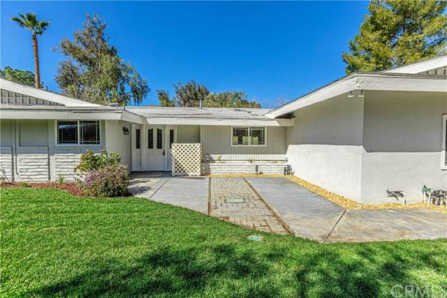 80 Vista Lago Drive, Simi Valley, CA 93065 (#302421496) :: Coldwell Banker West