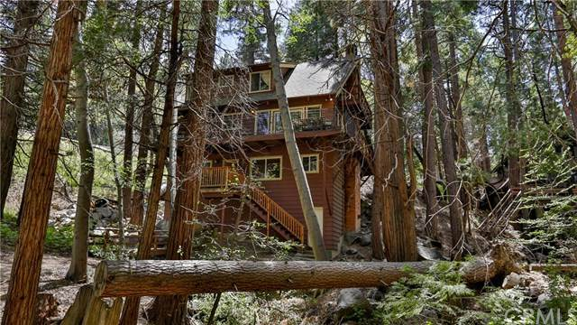 320 State Hwy 173, Lake Arrowhead, CA 92352 (#302518692) :: Compass