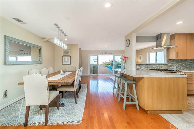 2906 Baywater Avenue #2, San Pedro, CA 90731 (#302587957) :: Whissel Realty