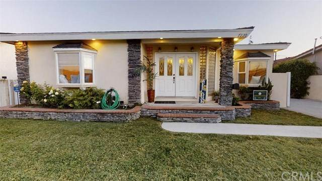 7220 Irwingrove Drive, Downey, CA 90241 (#302602259) :: Whissel Realty