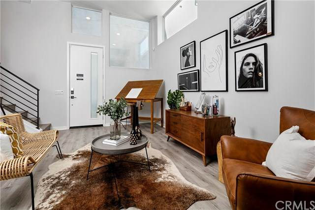 3024 N Coolidge Ave 1/2, Los Angeles, CA 90039 (#302614728) :: Whissel Realty