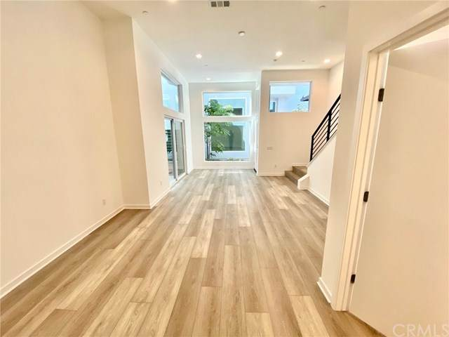 3026 N Coolidge Ave, Los Angeles, CA 90039 (#302616000) :: Whissel Realty