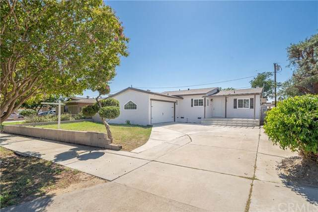 2171 Monroe Street, Colton, CA 92324 (#302622955) :: Whissel Realty