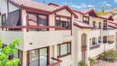 18168 Sundowner Way #1021, Canyon Country, CA 91387 (#302965646) :: San Diego Area Homes for Sale