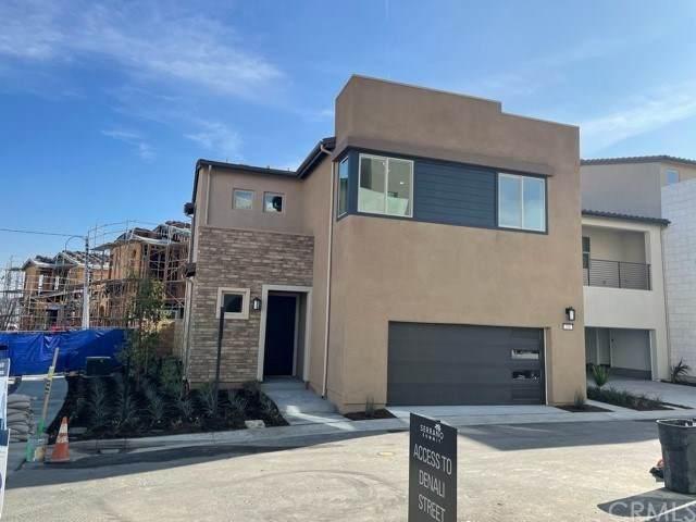 201 Denali, Lake Forest, CA 92630 (#302993539) :: Tony J. Molina Real Estate