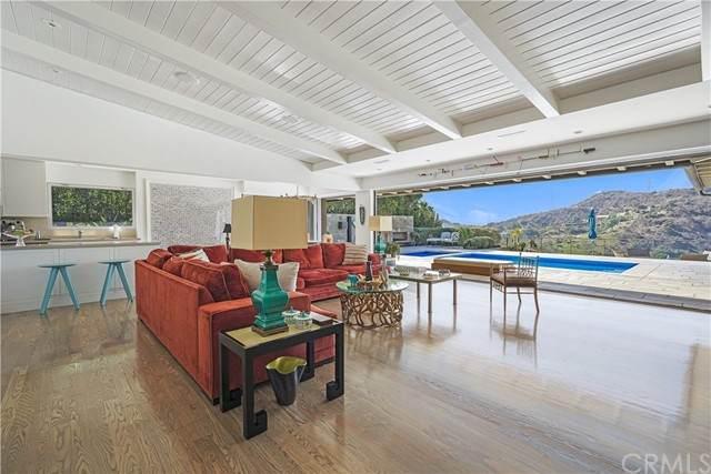 7150 Macapa Drive, Los Angeles, CA 90068 (#PW21024407) :: Rubino Real Estate