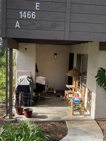 1466 Cabrillo Park Drive A, Santa Ana, CA 92701 (#PW21031627) :: Yarbrough Group