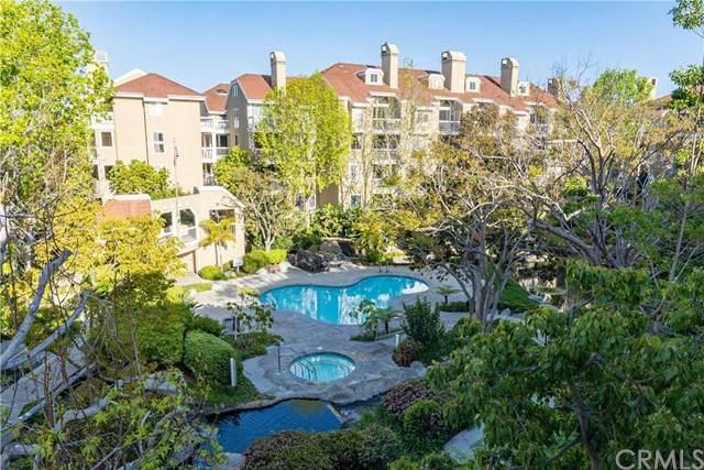 20341 Bluffside Circle #301, Huntington Beach, CA 92646 (#OC21073899) :: The Stein Group