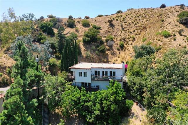 2960 Durand Drive, Los Angeles, CA 90068 (#PF21082606) :: The Stein Group