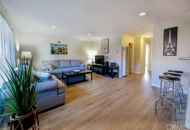 623 Walnut Avenue #9, Long Beach, CA 90802 (#DW21087493) :: Yarbrough Group