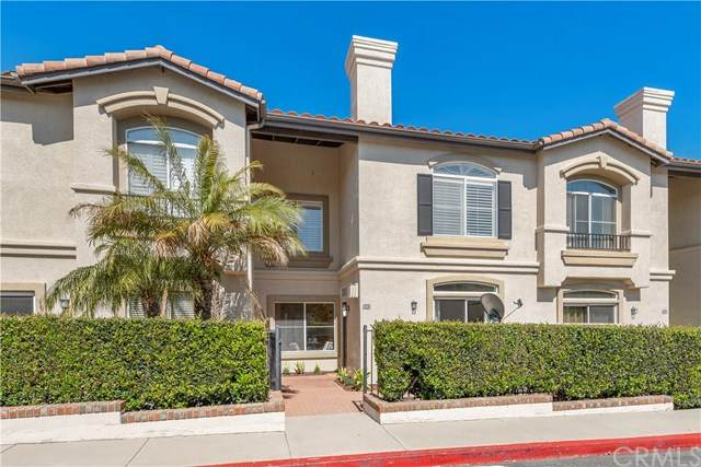 38 Vellisimo, Aliso Viejo, CA 92656 (#OC21081427) :: Yarbrough Group