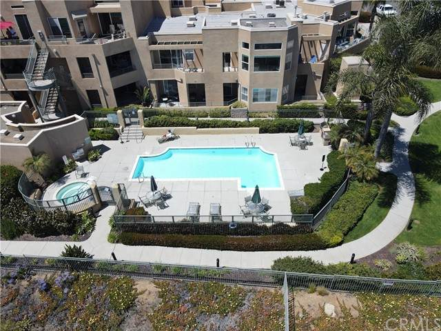 4021 Canario Street #336, Carlsbad, CA 92008 (#OC21094861) :: The Legacy Real Estate Team