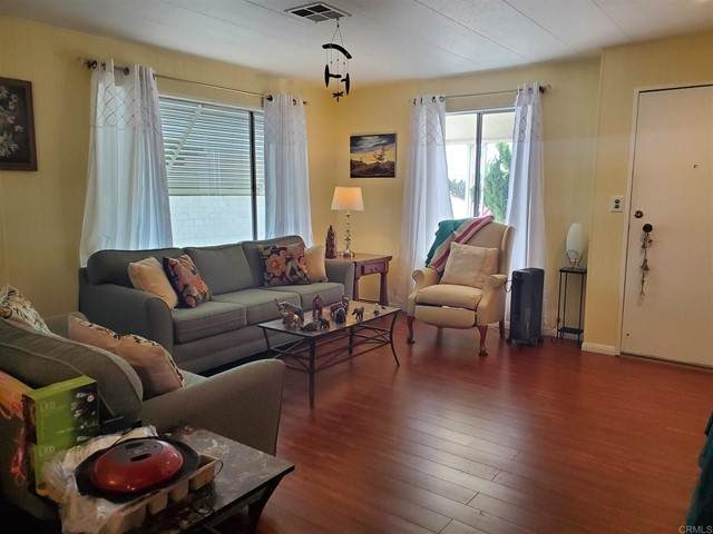 1506 Oak #127, Vista, CA 92084 (#NDP2105506) :: PURE Real Estate Group