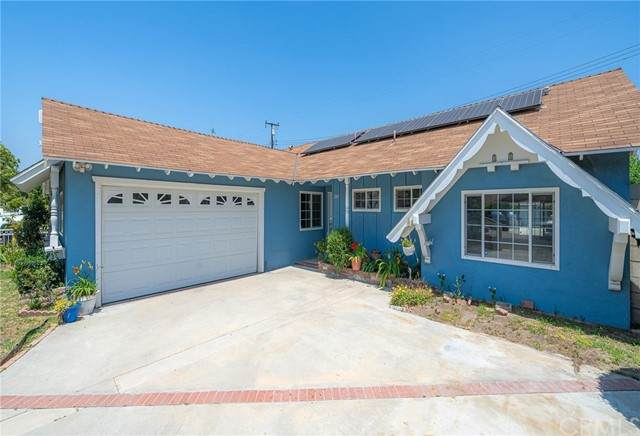 2809 W Willits Street, Santa Ana, CA 92704 (#OC21111995) :: Keller Williams - Triolo Realty Group