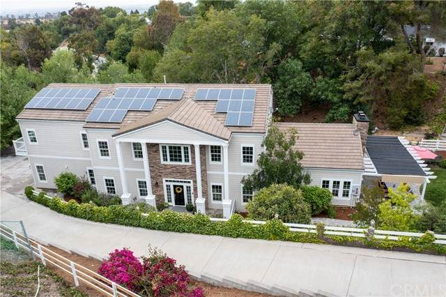 27207 Eastvale Road, Palos Verdes Peninsula, CA 90274 (#PV21116314) :: Dannecker & Associates