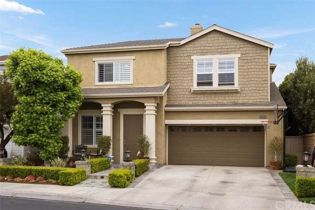 16812 Pembrook Lane, Huntington Beach, CA 92649 (#OC21105778) :: SunLux Real Estate
