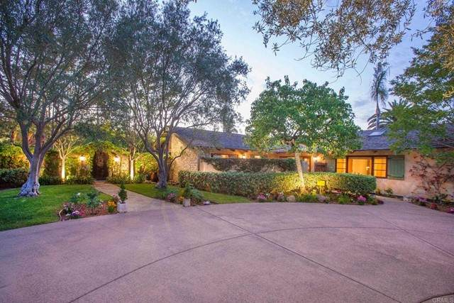 7015 La Valle Plateada, Rancho Santa Fe, CA 92067 (#NDP2106898) :: Solis Team Real Estate