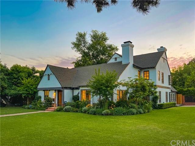 601 Michigan Boulevard, Pasadena, CA 91107 (#TR21130209) :: Solis Team Real Estate