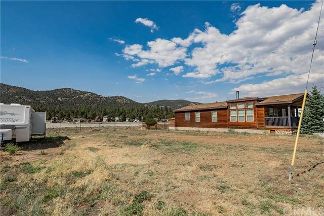 1131 W. Fairway, Big Bear, CA 92314 (#PW21132478) :: SunLux Real Estate