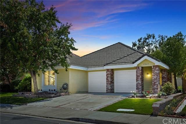 37449 Vineyard Knoll Drive, Murrieta, CA 92562 (#SW21133441) :: Solis Team Real Estate