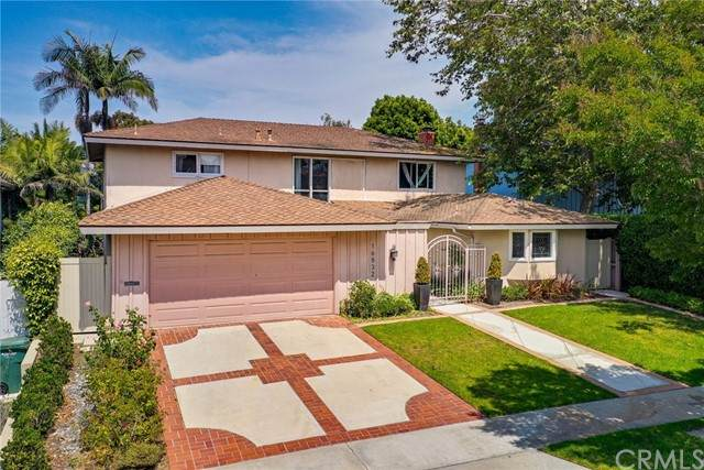 16832 Harkness Circle, Huntington Beach, CA 92649 (#OC21160345) :: The Todd Team Realtors