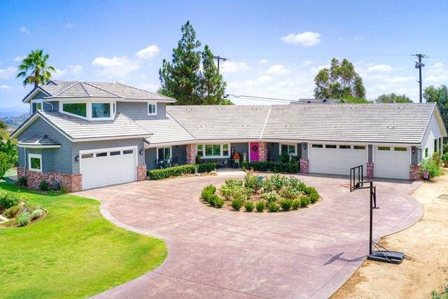 1494 Meredith Road, Fallbrook, CA 92028 (#NDP2109905) :: Solis Team Real Estate