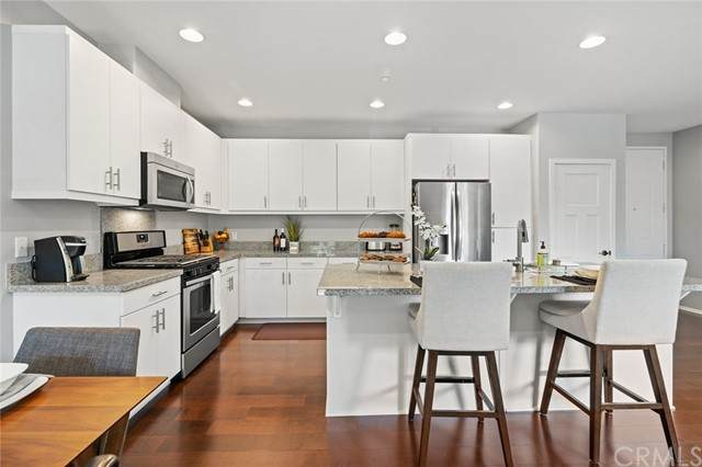 435 S Anaheim Boulevard #3, Anaheim, CA 92805 (#PW21197653) :: Solis Team Real Estate