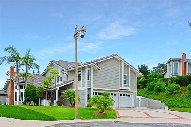7000 E Columbus Drive, Anaheim Hills, CA 92807 (#OC21198114) :: SD Luxe Group