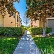 15647 Vista Way #108, Lake Elsinore, CA 92532 (#SW21199981) :: SunLux Real Estate