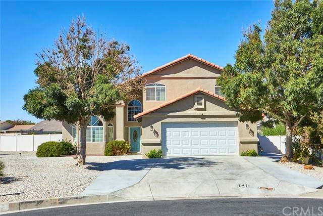 17855 Cumberland Way, Victorville, CA 92395 (#CV21202527) :: Solis Team Real Estate