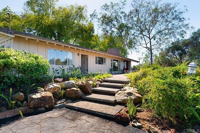 1504 Linda Street, Fallbrook, CA 92028 (#NDP2110939) :: Team Forss Realty Group