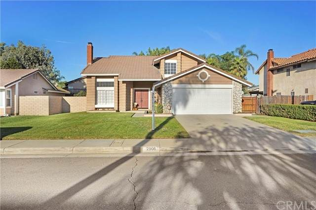 2906 Truckee River Lane, Ontario, CA 91761 (#CV21218591) :: Wannebo Real Estate Group