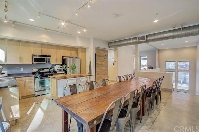 204 E 3rd Street, Santa Ana, CA 92701 (#OC21226197) :: Rubino Real Estate