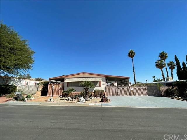 16500 El Segundo, Desert Hot Springs, CA 92241 (#CV21227573) :: COMPASS