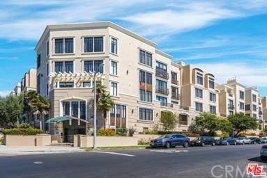 11847 Gorham Avenue #201, Los Angeles, CA 90049 (#PV21228569) :: Wannebo Real Estate Group