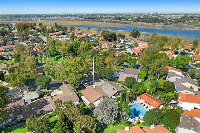 2715 Vista Umbrosa, Newport Beach, CA 92660 (#NP21232913) :: Pacific Palace Realty, Inc.