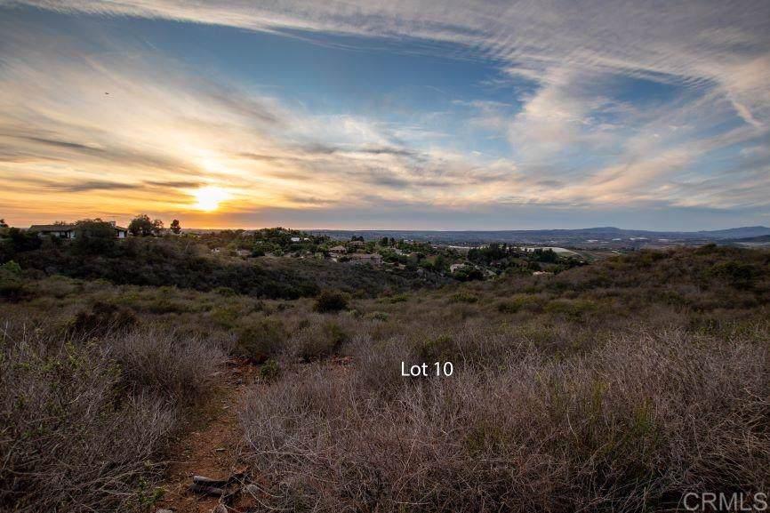 2220 Panoramic Dr - Photo 1