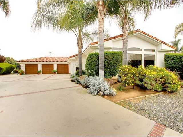 3786 Foxglove Ln, Fallbrook, CA 92028 (#180025070) :: Neuman & Neuman Real Estate Inc.