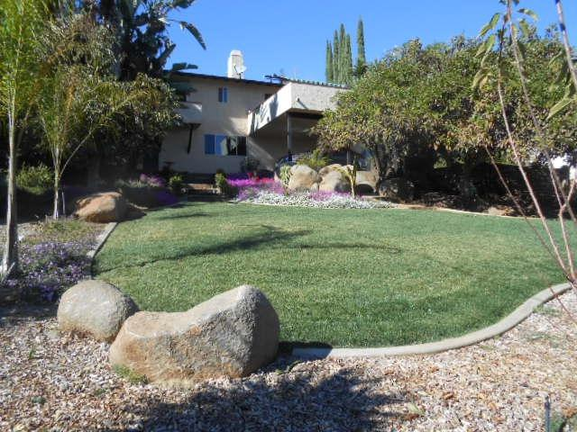 1353 Park Hill Ln, Escondido, CA 92025 (#180052992) :: The Yarbrough Group